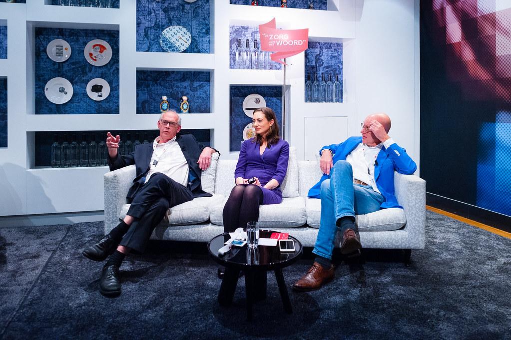 Tafelgast drs. Hans Nederhof over de toekomst van eHealth, ernaast drs. Mischa Anna Selis en drs. Erich Taubert