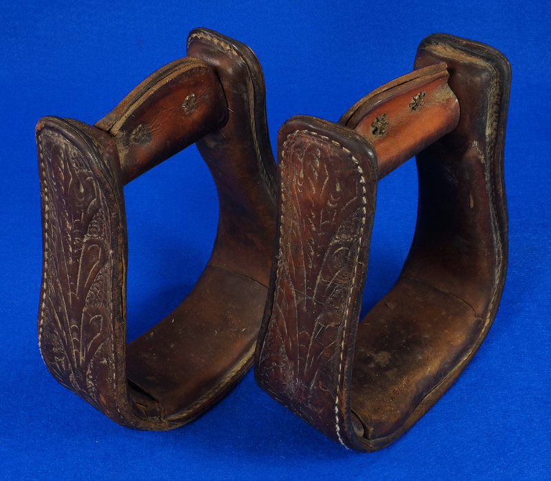 RD14952 Vintage Pair of Leather Over Wood Stirrups DSC07351