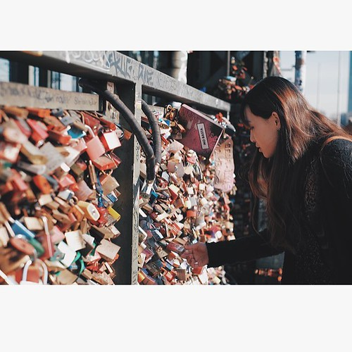 Lovers in Cologne On the Hohenzollern bridge Locking their love locks Sealed with a kiss Throwing the key Into the Rhine #travelingmanman  #lovelock #lovepadlocks #lovelockbridge #lovelocks #hohenzollern #hohenzollernbrücke #hohenzollernbridge