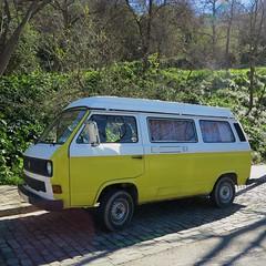 automobile, van, sport utility vehicle, volkswagen, vehicle, minibus, volkswagen type 2 (t3), land vehicle, bus,