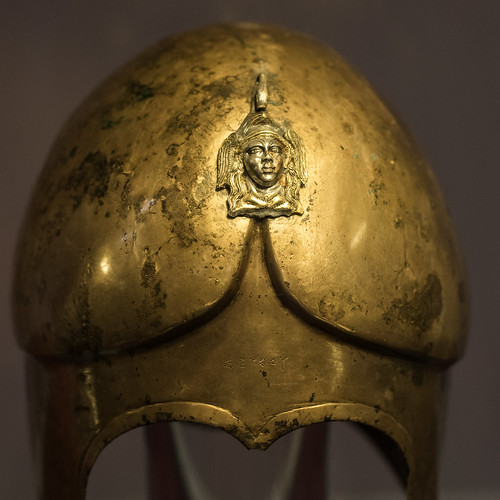 bronze greek king elmo helmet royal armor burial re bling defensive regal wealth inscription greca hellenistic iscrizione bronzo kazanlak gravegoods thrace thracian corredo golyamakosmatka траки тракийски etàellenistica 3rdcbce 290sbce 270sbce 280sbce seuthesiii odrysian early3rdcbce голямакосматка севтiii οδρύσαι museumofhistoryiskra историческимузейискра 1stquarter3rdcbce