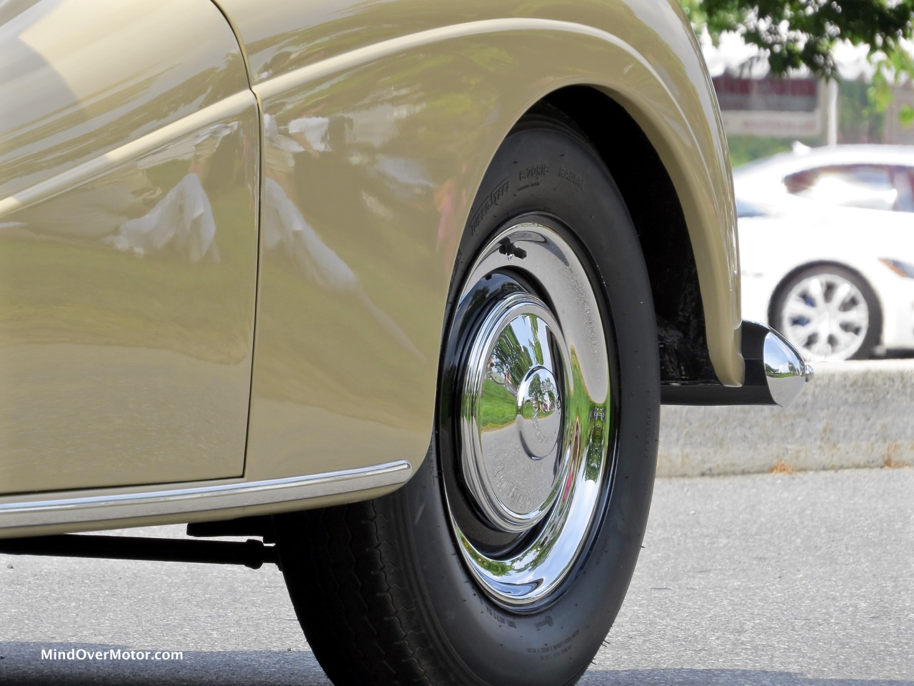 Armstrong-Siddeley Star Sapphire Front Fender Detail