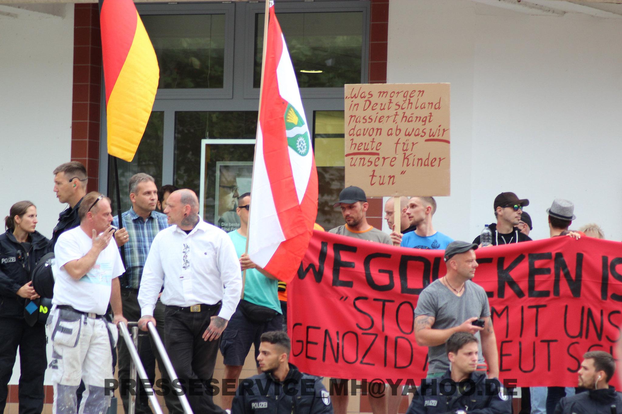 Nazikundgebung 27.08.2015 Marzahn Eastgate