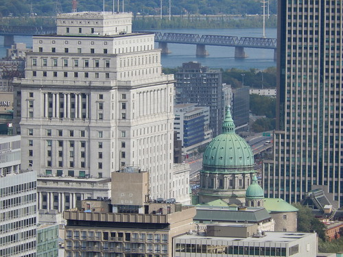 Montreal - oude koepel tussen wolkenkrabbers