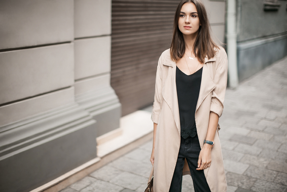 duster-beige-trench-coat-outfit-ideas