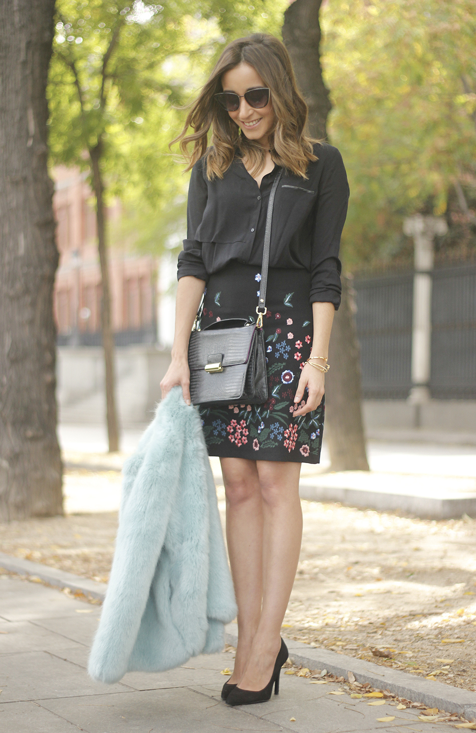 black skirt with flowers outfit07