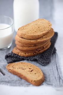 Biscotti al caffè e noci a lievitazione naturale