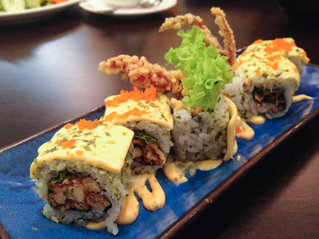 D-buri-buri-soft-shell-crab-roll