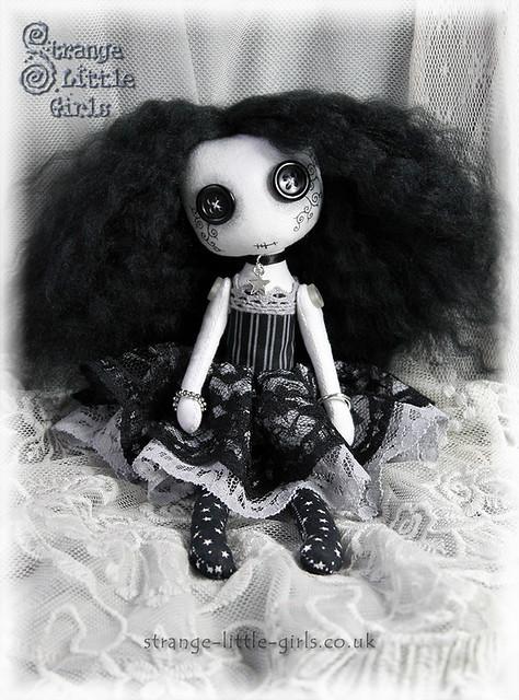 Mini Button eyed Gothic doll - Wanda Wishfall