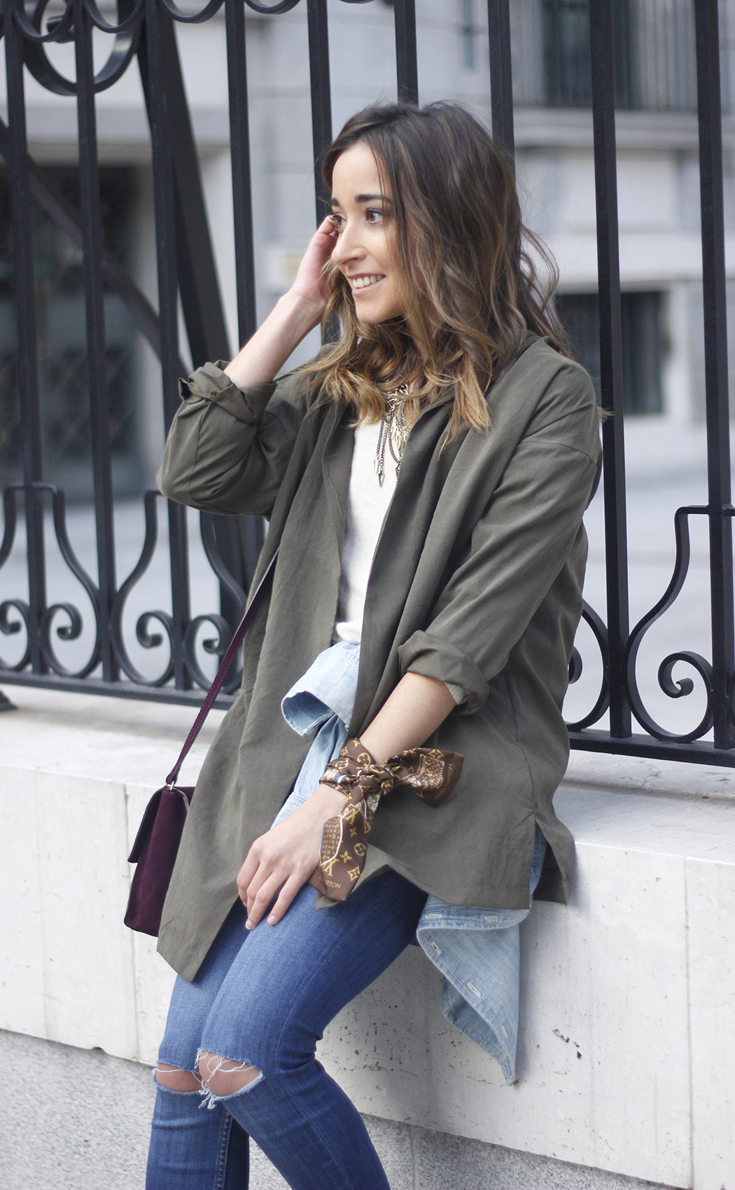 army green shirt jeans nude heels uterqüe purse outfit17