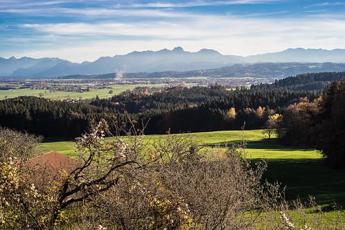 blue autumn sky clouds landscape bayern bavaria herbst himmel wolken blau landschaft 2015 farbdominanz