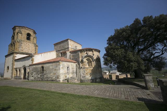 Iglesia de Santa María de Bareyo