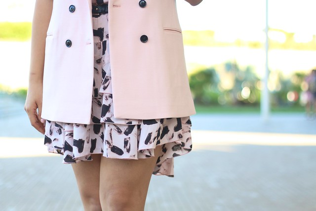 simplyxclassic, banana republic, styling a vest, floral dress, style blogger, mommy blogger, fashion blogger, pink vest, pink floral dress, orange county