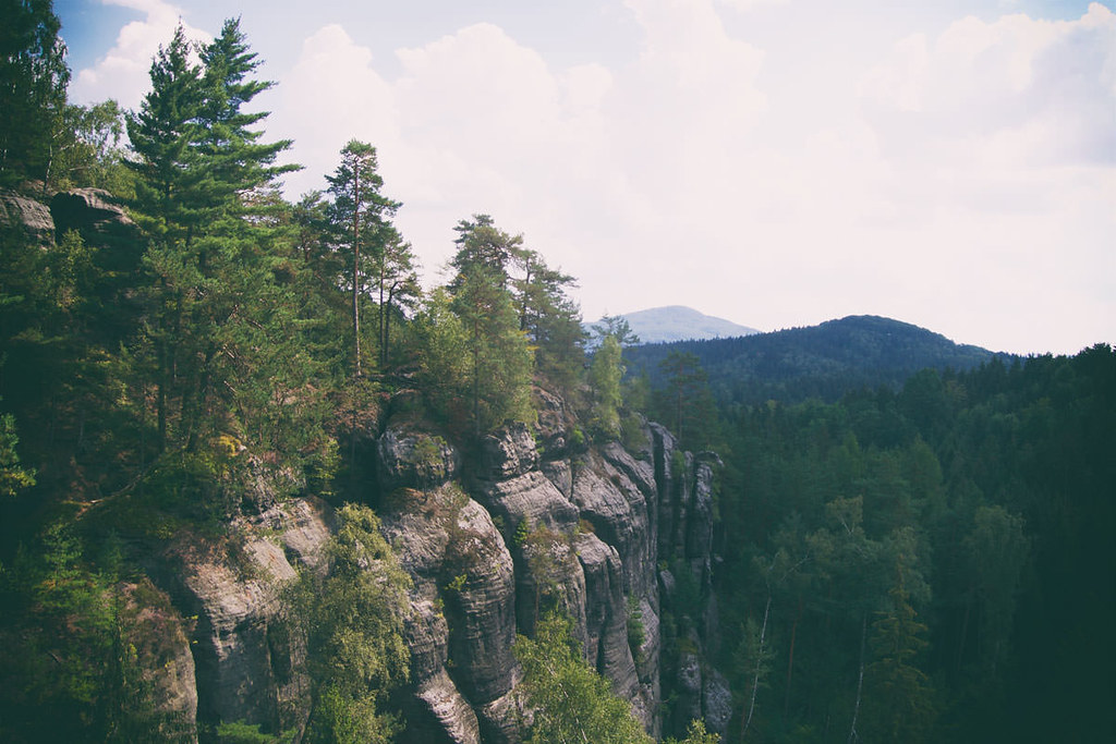 Blick von oberhalb der Engen Stiege auf Kaltenberg und Suppgeberg