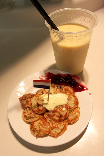 Poffertjes and Smoothie