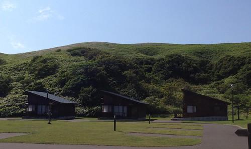 rebun-island-kusyu-lakeside-camp-site-cottage