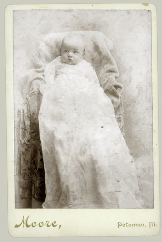 Cabinet Card Baby in Christeninig Gown