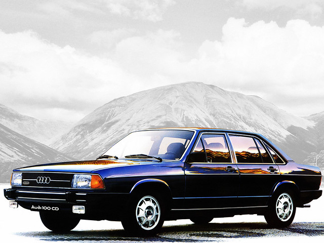 Седан Audi 100 C2. 1976 – 1980 годы