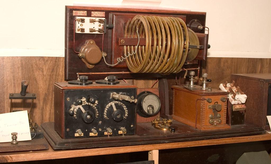 CRW_9117: Vintage Gear