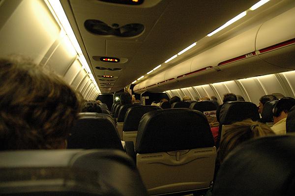 United Express CRJ-700 N744SK