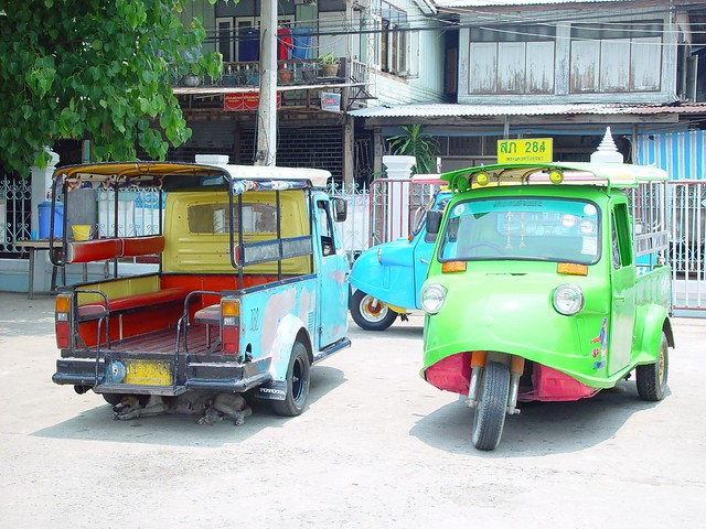 Tuk-tuks (local taxi) in Ayutaya