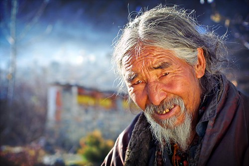 tibetan man in muktinath