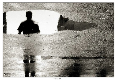Capturing the Reflections of a Shadow by a Rainy day...