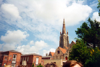 Kirkko ja pilvet