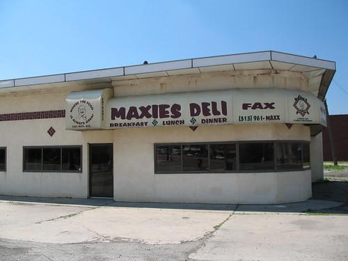 Maxie's Deli