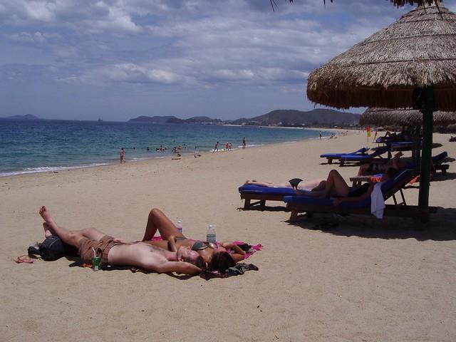Nha Trang Beach Vietnam 2006 Relaxing At Nha Trang Beach Flickr Photo Sharing