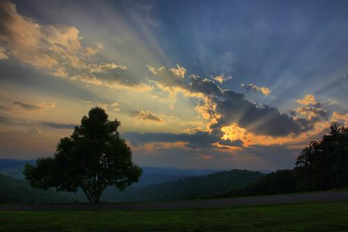 blue sunset sun tree clouds forest ridge parkway rays overlook saddle vigina