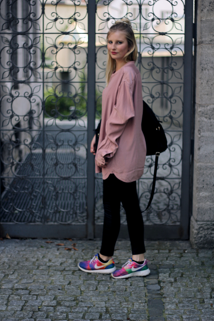 outfit location bockenheimer landstraße oversized blogger fashion blonde ffm vintage comfortable