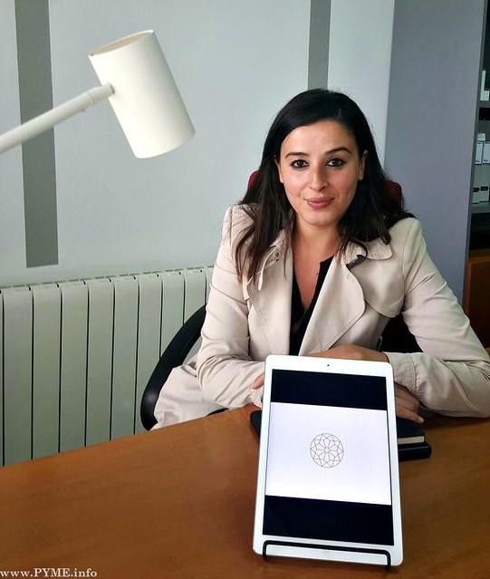 Nesrine Rajel, en el despacho de su empresa By Niss.