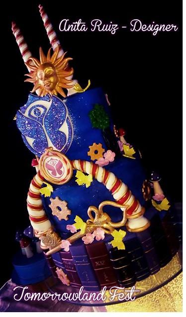 Tomorrowland Cake by Anita Ruiz of Pastryland Boutique de Repostería