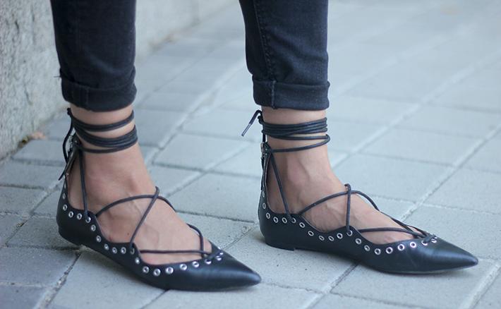 Lace Up Flats Black Jeans Top Hoss Intropia Coach Bag Aristocrazy12