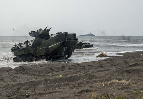 U.S. Marines, Indonesian Forces Storm Beach, Successful CARAT 2015