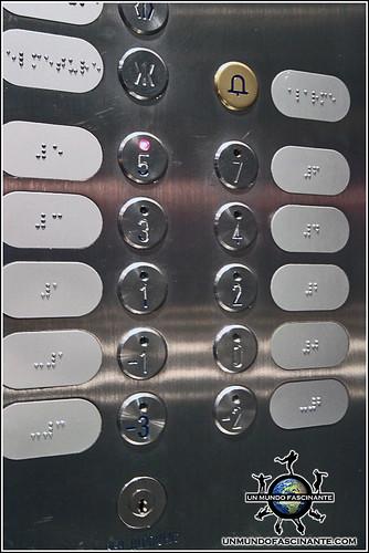 Detalles de los elevadores de Andorra La Vella, Andorra.