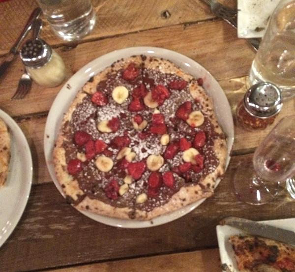 nutella-pizza
