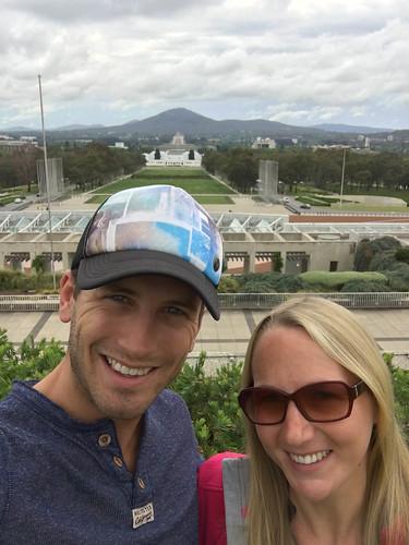 Parliament House - mit Blick aufs War Memorial