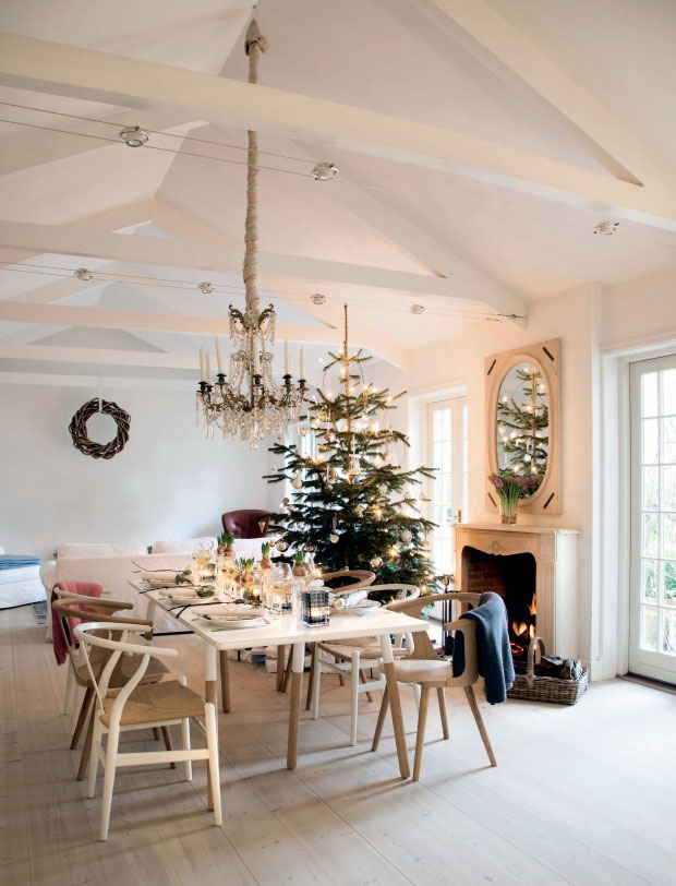 01-christmas-table-decoration