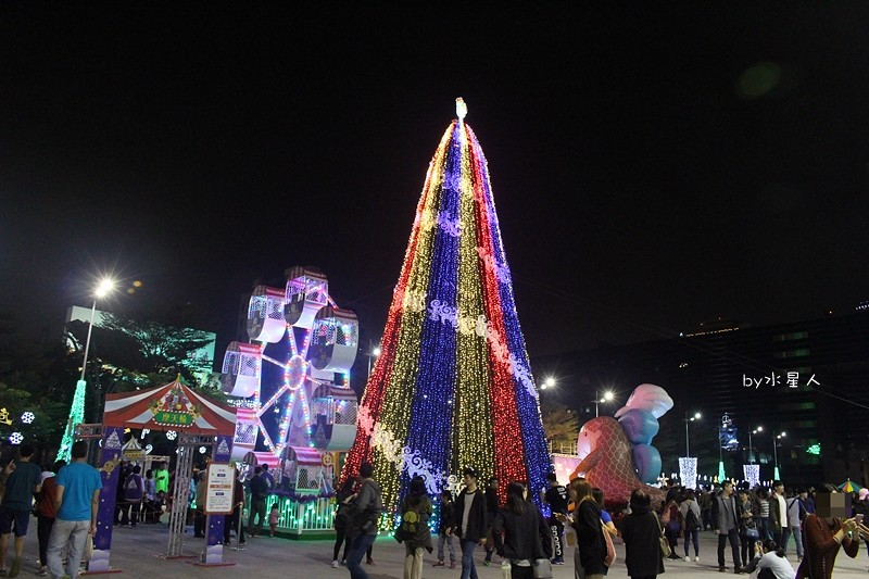 30779817113 9dbb5f7e1d b - 2016台中耶誕YA!耶誕嘉年華,市政廣場耶誕節系列活動,讓你白天與夜景一次看個夠