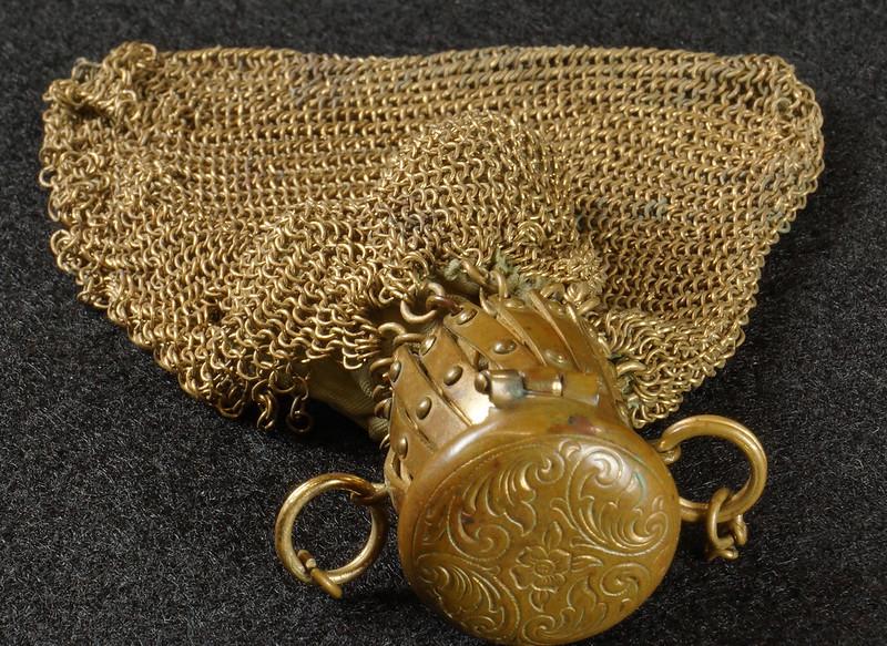 RD9267 Vintage West Germany Brass Expanding Ladies Mesh Link Purse Handbag DSC07887