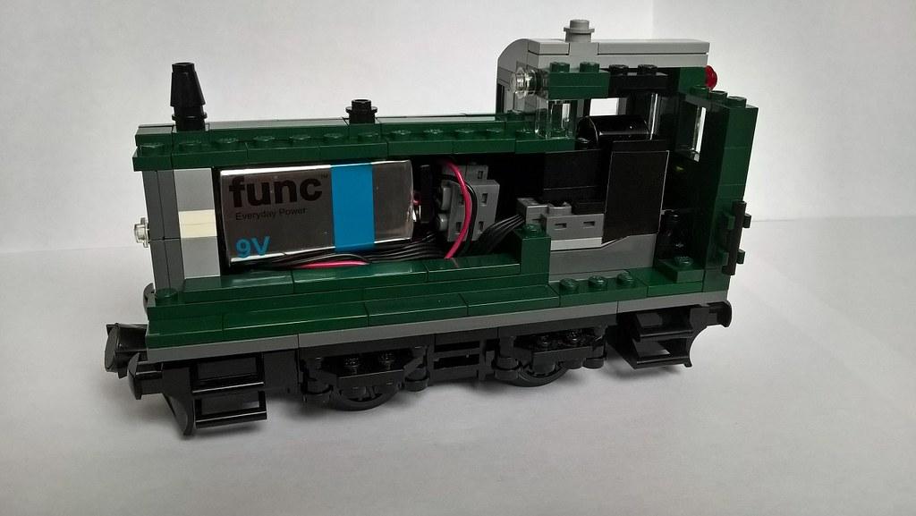 DarkGreen PF industrial loco inside split