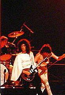 Queen live @ Dallas - 1975
