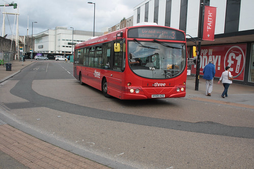 First Hampshire and Dorset 69393 HY09AZD