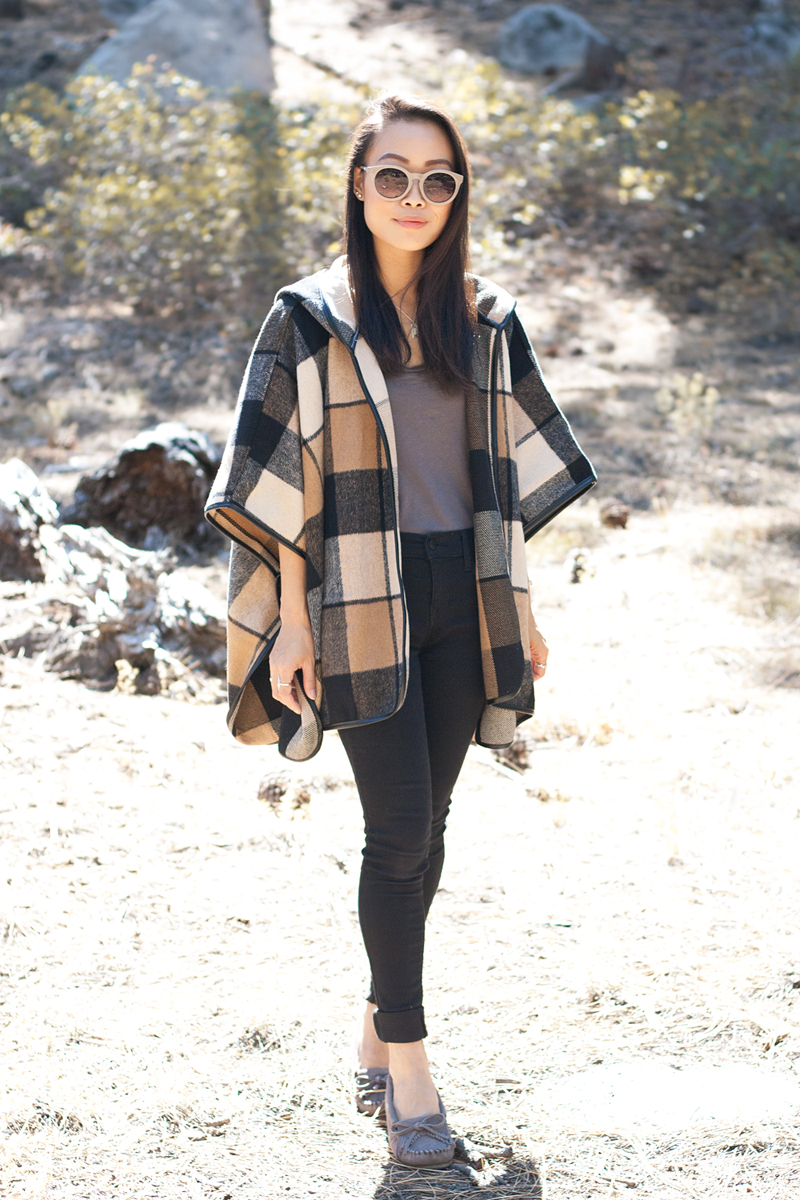 03-plaid-poncho-moccasin-tahoe-travel-style-fashion