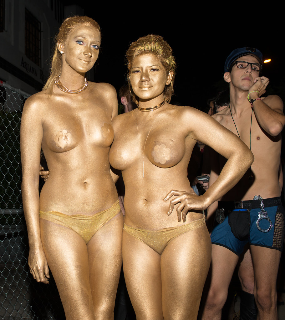 Naked Women In Gold Body Paint Halloween West Hollywood 20 -9567