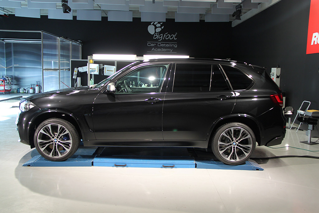 BigFoot Centre - BMW X5 nanotech 22154439312_6306c6ee49_b
