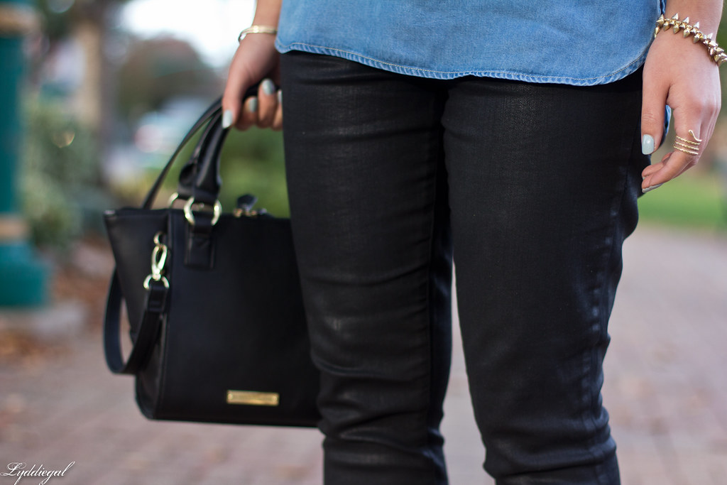chambray tee, black coated jeans, leopard pumps-4.jpg