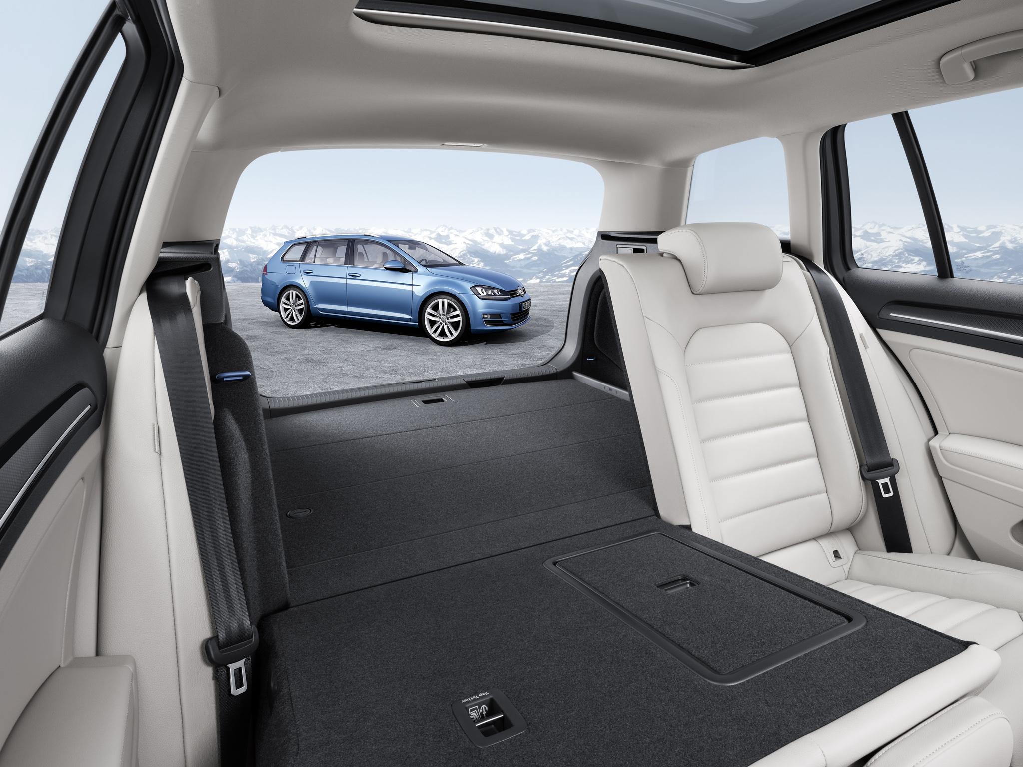 Вместительный багажник универсала Volkswagen Golf 7 Variant